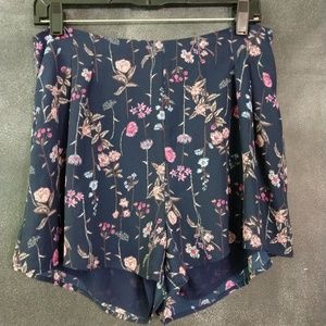 LUSH | NWT Blue Floral Skort Shorts Size Large